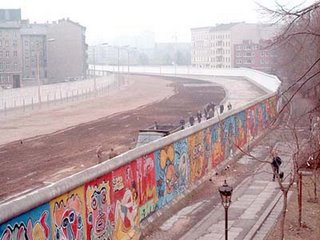 EL_MURO_D_BERLIN_EN_1986